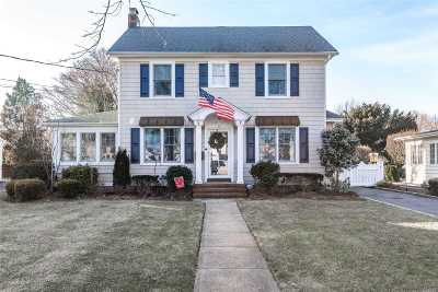 Rockville Centre Single Family Home For Sale: 62 S. Forest Avenue