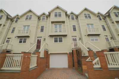 Whitestone NY Condo/Townhouse For Sale: $929,000