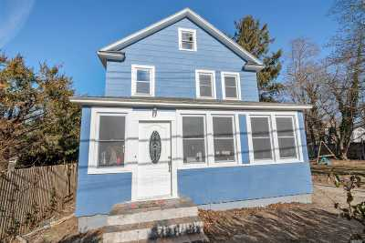Huntington Single Family Home For Sale: 43 W 10th St
