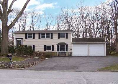 E. Setauket Single Family Home For Sale: 10 Mayflower Ln