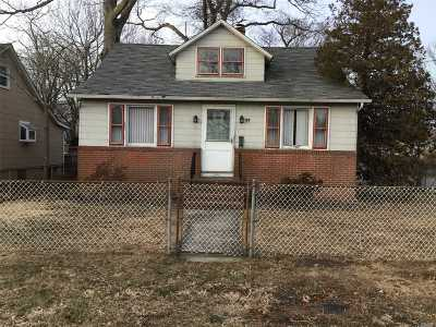 Islip Single Family Home For Sale: 25 Lincoln Ave