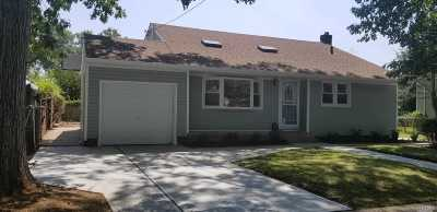 W. Hempstead Single Family Home For Sale: 521 Champlain Ave