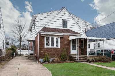 New Hyde Park Single Family Home For Sale: 628 11th Ave