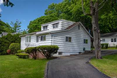 Sound Beach Single Family Home For Sale: 43 Hollis Dr