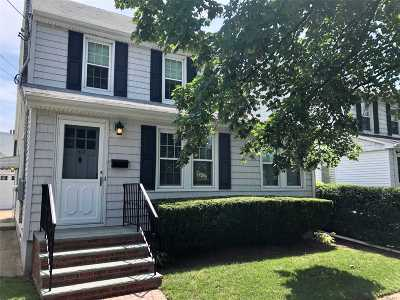 Williston Park Single Family Home For Sale: 103 Stratford Ave
