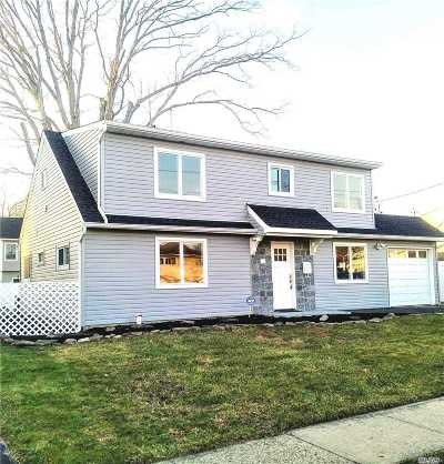Massapequa Single Family Home For Sale: 354 Seaford Ave