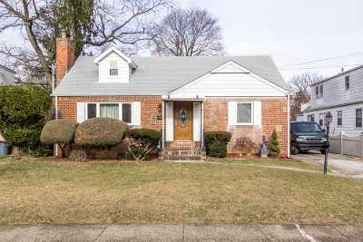 W. Hempstead Single Family Home For Sale: 535 Bedell Ter