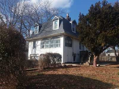 Lindenhurst Multi Family Home For Sale: 49 Gladys St