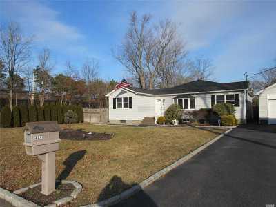 Ronkonkoma Single Family Home For Sale: 2393 Louis Kossuth Ave