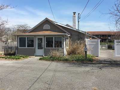 Copiague Single Family Home For Sale: 177 Baylawn Ave