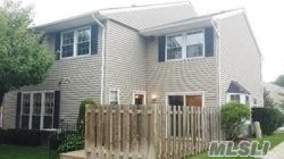 Woodbury Condo/Townhouse For Sale: 12 Club House Ct