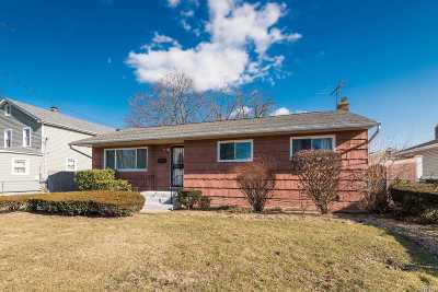 Roosevelt Single Family Home For Sale: 60 Rose Ave