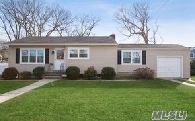 Massapequa Single Family Home For Sale: 156 N Suffolk Ave