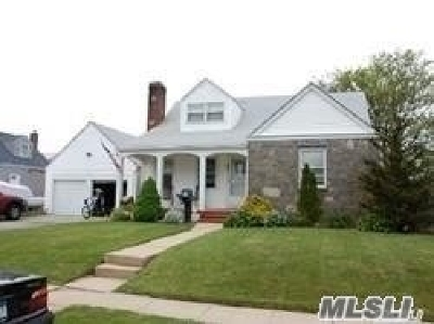 Lindenhurst Multi Family Home For Sale: 48 W Belle Terre Ave