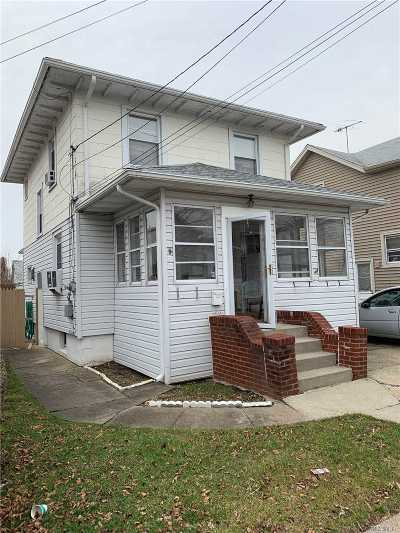 Mineola Single Family Home For Sale: 235 Maple Pl