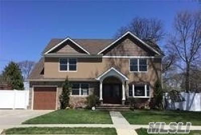 W. Hempstead Single Family Home For Sale: 642 Knollwood Dr