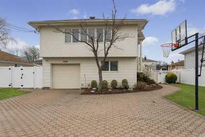 Oceanside Single Family Home For Sale: 475 Zadig St