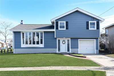 E. Rockaway Single Family Home For Sale: 1 Cambridge Rd