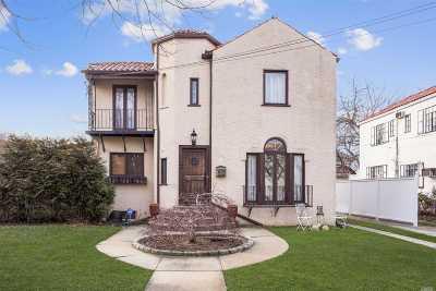 W. Hempstead Single Family Home For Sale: 73 Marlborough Rd