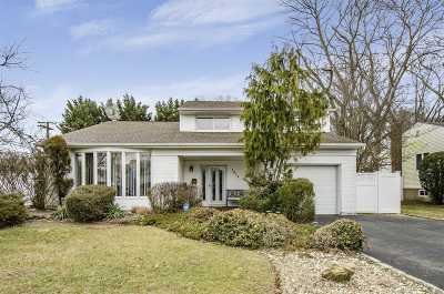 Wantagh Single Family Home For Sale: 1573 Cornelius Ave