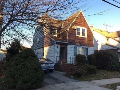 W. Hempstead Single Family Home For Sale: 178 Oak St