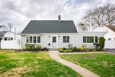 Levittown Single Family Home For Sale: 74 Haven Ln