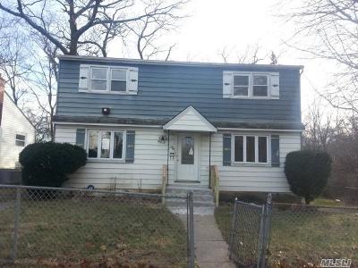 W. Hempstead Single Family Home For Sale: 635 Chautauqua Ave