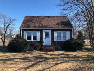 Patchogue Single Family Home For Sale: 163 Washington Ave