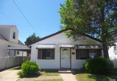 Hempstead NY Single Family Home For Sale: $179,900