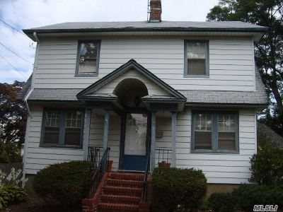 Port Washington Single Family Home For Sale