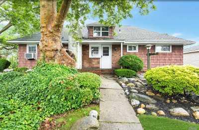 Massapequa Single Family Home For Sale: 157 N Maple St