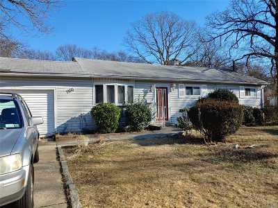 Bay Shore Single Family Home For Sale: 1166 Nugent Ave