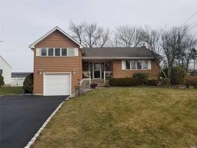 Kings Park Single Family Home For Sale: 29 Amapola Ln