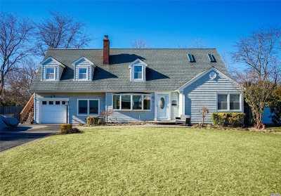 Kings Park Single Family Home For Sale: 32 Park St