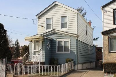 Middle Village Single Family Home For Sale: 57-46 75th St