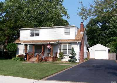 Patchogue Single Family Home For Sale: 179 Rider Ave