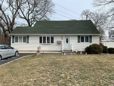 Hauppauge NY Single Family Home For Sale: $499,999