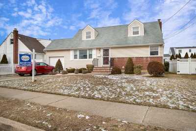 Bethpage Single Family Home For Sale: 38 Moore Dr