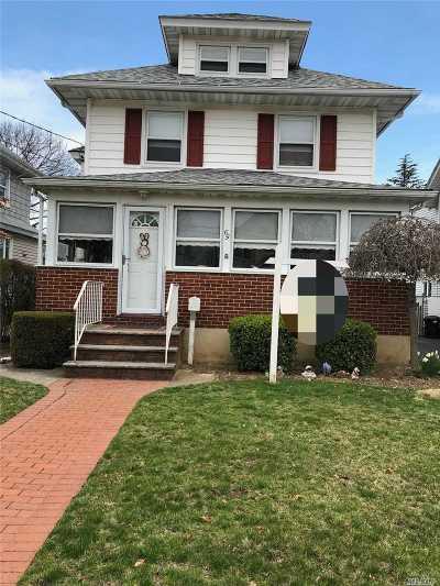 Lynbrook Single Family Home For Sale: 65 Clinton Ave
