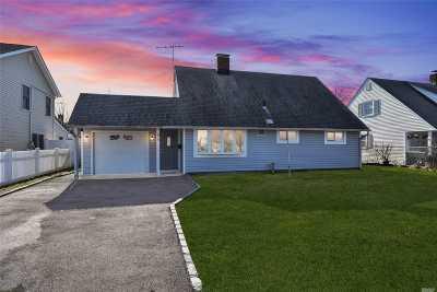 Levittown Single Family Home For Sale: 64 Sunrise Ln