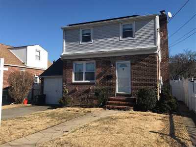 Franklin Square Single Family Home For Sale: 49 Claflin Blvd