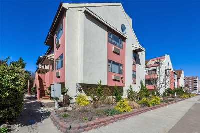 Long Beach Condo/Townhouse For Sale: 651 Shore Rd #3A