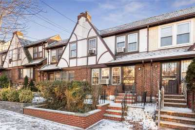 Forest Hills Single Family Home For Sale: 67-118 Burns St