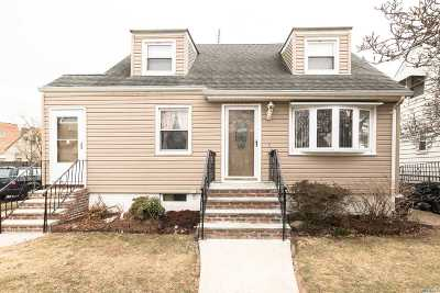 Fresh Meadows Single Family Home For Sale: 49-03 169th St