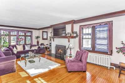 Freeport Single Family Home For Sale: 212 S Bayview Ave