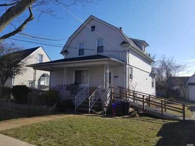 Freeport Single Family Home For Sale: 114 Washburn Ave