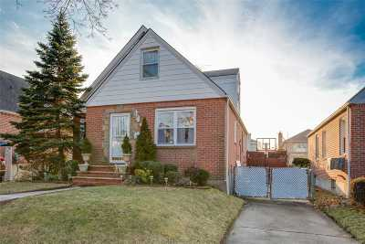 Fresh Meadows Single Family Home For Sale: 69-34 184th St