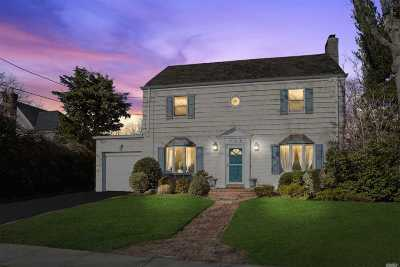 Hewlett NY Single Family Home For Sale: $768,000