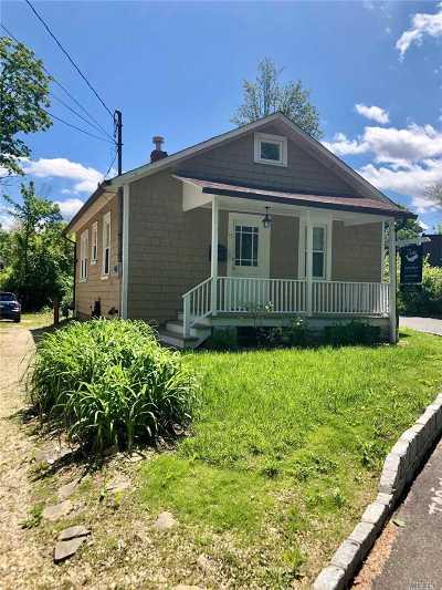 Roslyn Single Family Home For Sale: 71 Mott Ave
