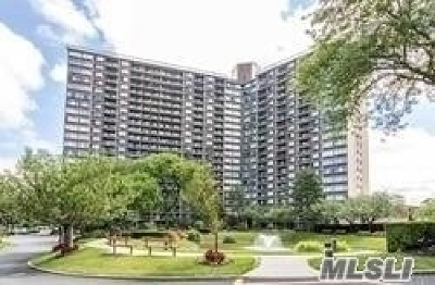 Bayside Condo/Townhouse For Sale: 1 Bay Club Dr #11D
